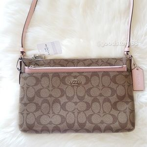 [SOLD]COACH EAST/WEST CROSSBODY WITH POP-UP POUCH